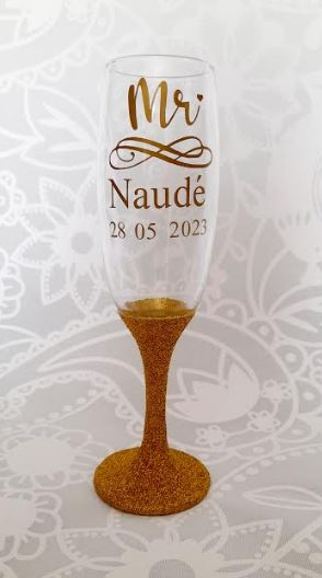 Personalised Glitter Champagne Flute   Customised Glitter Glass   Bride, Groom, Mothers, Father, Bridesmaid, Groomsman