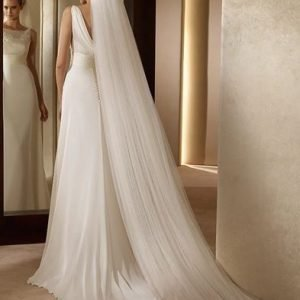 Stunning Cathedral 3 metre Bridal Wedding Veil   Bride Veil with comb   White or Ivory